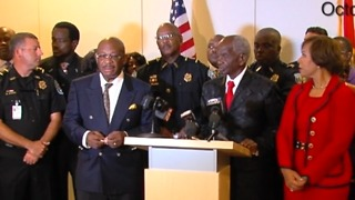 Mayor says he won't suspend Riviera Beach police chief - Video