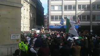 Algerians in London Protest President's Decision to Run for 5th Term - Video