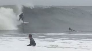 New Jersey Surfers Enjoy Giant Waves from Hurricane Jose - Video