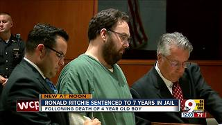 Robert Ritchie gets 7 years for son Austin Cooper's scalding death - Video
