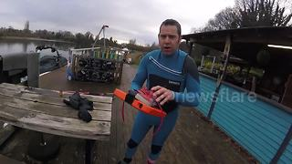 Man goes waterskiing on iPad - Video