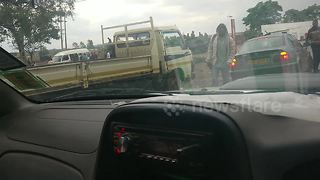 Armoured vehicles outside Harare spark coup rumours - Video