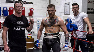 Conor McGregor TRAINING for Mayweather Fight, DEMANDS Floyd to Sign - Video