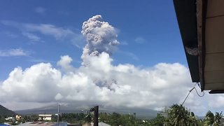 Ash Cloud Billows From Mayon Volcano as Eruption Warned - Video