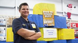 Teen Walmart Worker Saves Paycheck To Buy Kids School Supplies - Video