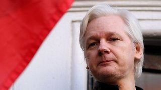Federal Prosecutors Challenge Request To Unseal Assange Charges