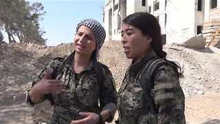 Syrian Democratic Forces Control East-West Route in Raqqa as Islamic State Loses Ground - Video
