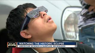Solar eclipse wows crowds at American Science and Surplus - Video