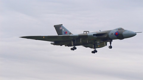 Avro Vulcan take off, display and land