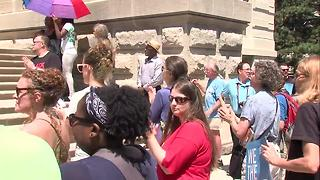 Hundreds attend Justice for Aaron Bailey rally at the Statehouse - Video