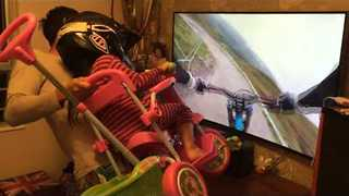 'Dad of the Year' Gives Daughter the Best VR Ride - Video