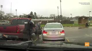 Police officer pulls over speeding student, helps him prepare for presentation - Video