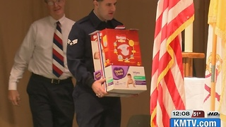 Airmen receive Veterans Day surprise - Video