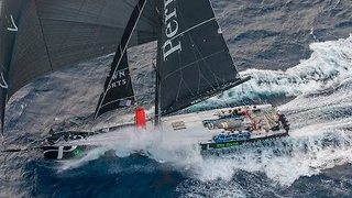 Supermaxi 'Perpetual Loyal' Breaks Record in Sydney to Hobart Yacht Race - Video