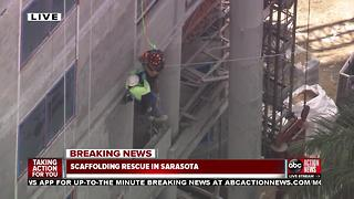 Man rescued from dangling scaffolding in Sarasota County - Video