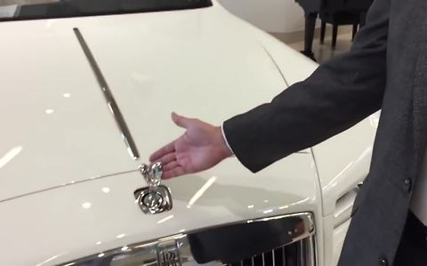 Is it possible to steal a Rolls-Royce's hood ornament? Apparently not!