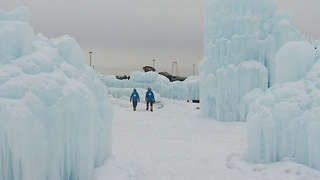 Wisconsin Dells Ice Castle Opens - Video