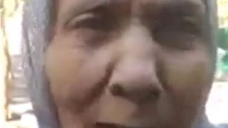 Grandma speaks out about oppression in Iran - Video