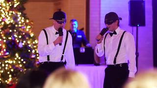 Brothers perform surprise rap toast for bride and groom - Video
