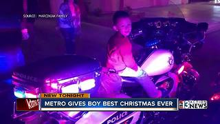 Las Vegas police officers go above and beyond to give family a memorable Christmas - Video