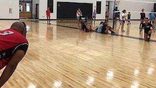 Dad surprises daughter at practice after being away for 16 months