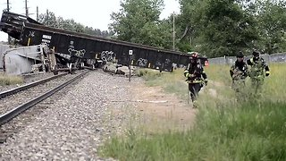 Freight Train Derails in Boulder, Colorado - Video