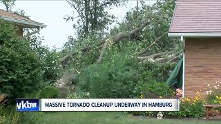 Massive cleanup in Hamburg after tornado - Video
