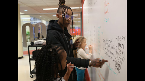 Raising the Barz: Triiibe offers intro to hip-hop for kids at library