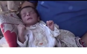 Newborn Taken to Hospital as Iraqi Forces Continue Advancing in Old Mosul - Video
