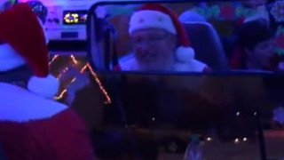 Boise Santa shares his love of Christmas one school bus ride at a time - Video