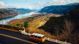 3 Must-Visit Drive By Tourist Attractions in America - Video