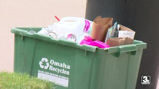 Omaha City Council votes on recycling contract