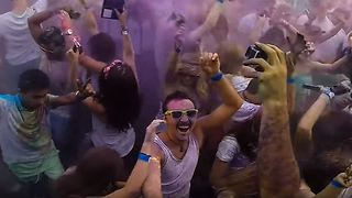 Holi Festival of Colours Celebrated in Melbourne - Video
