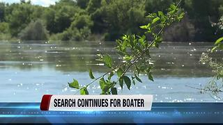 Crews searching for man who fell out of a boat in the Snake River - Video
