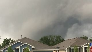 Ominous Skies Churn as Severe Storms Sweep Through Austin Area - Video