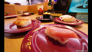 The most popular conveyor belt sushi in Japan - Sushiro スシロー