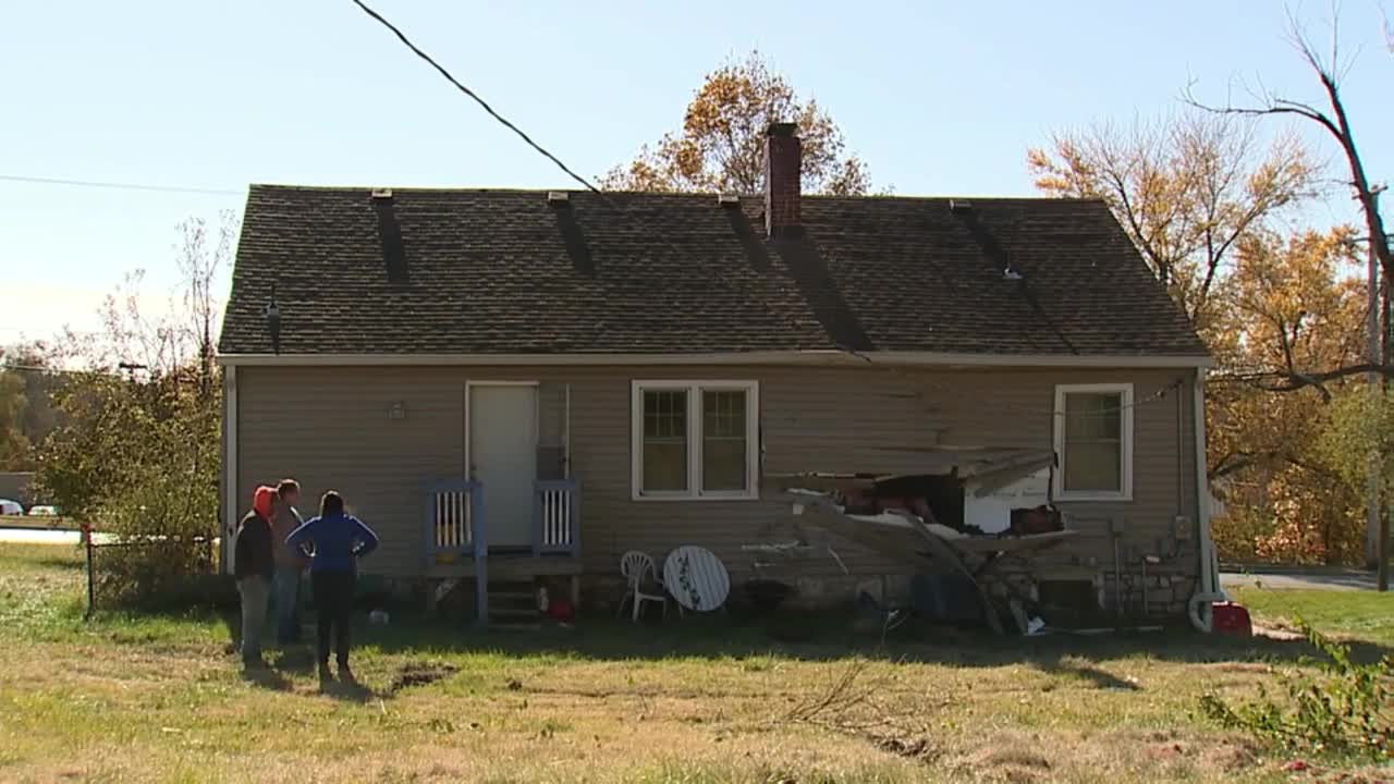 Raytown family of 9 without a home after teens crash car into side