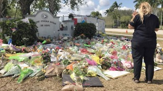Marjory Stoneman Douglas High School students to return Wednesday - Video