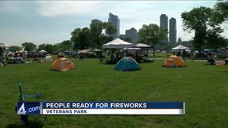 Thousands descend on the lakefront for Milwaukee fireworks - Video