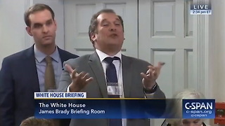 Reporter Calls Himself 'Ignorant,' Immediately Gets His Head Handed To Him By Sarah Sanders (c) - Video