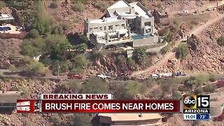Brush fire near homes on Camelback Mountain - Video