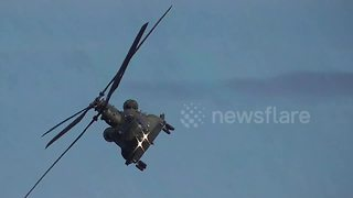 Amazing aerial acrobatics on display at UK airshow - Video