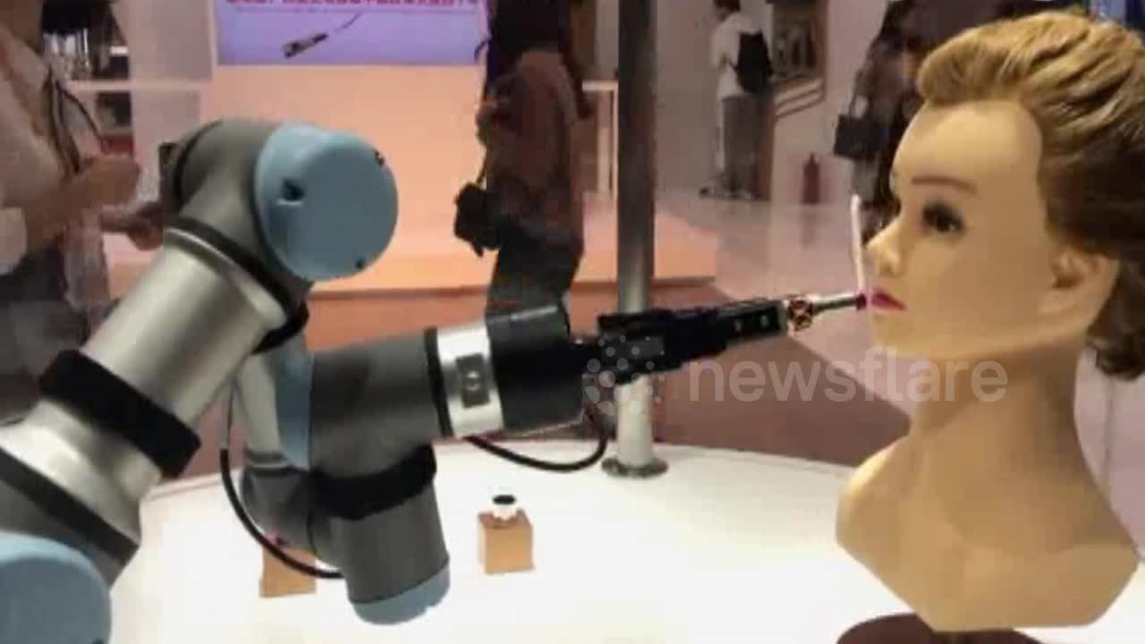 Carmen Contreras - Makeup-Applying Robot Spotted at Chinese Expo!