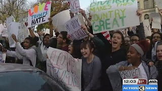 Students hold anti-Trump rallies - Video