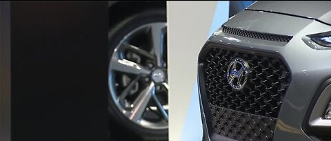 MotorTrend International Auto Show enters second day in Las Vegas