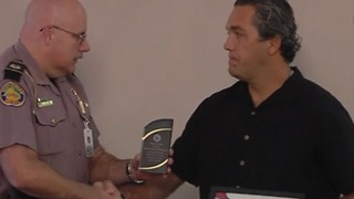 Man recognized for saving Florida State trooper - Video