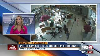 Florida police officers save choking baby - Video