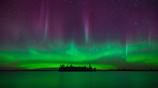 Spectacular Northern Lights Illuminate Voyageurs National Park - Video