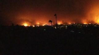 Thousands Evacuated Overnight as California Brush Fire Spreads - Video