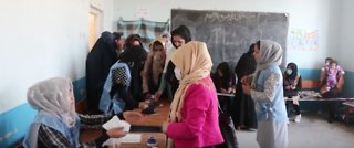 Afghans Vote in Parliamentary Elections Amid Reports of Violence - Video
